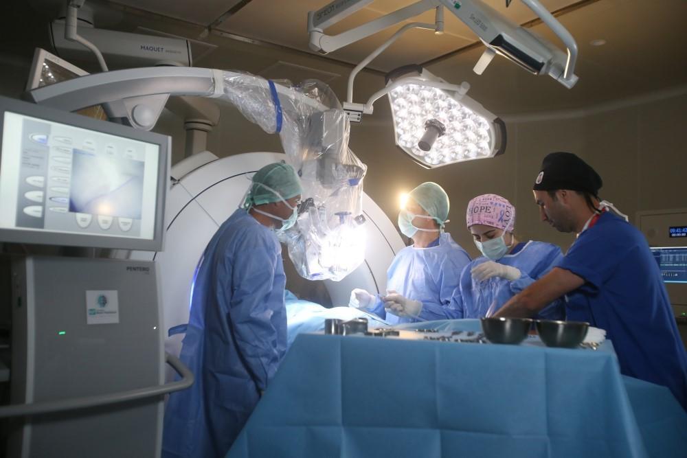 NPİSTANBUL Beyin Hastanesi Ameliyat Ekipmanları