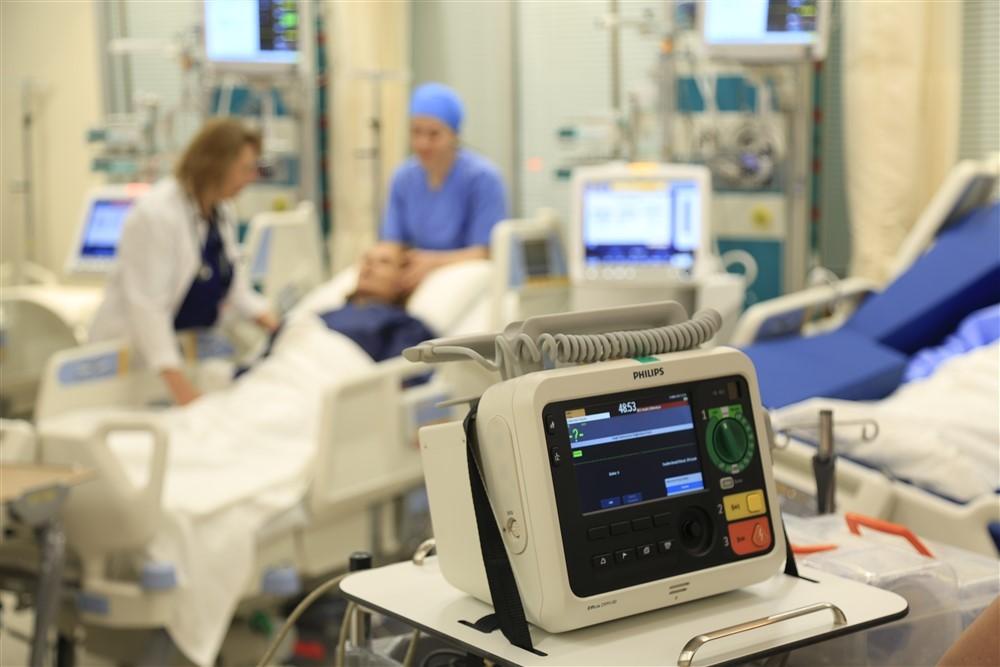 Yoğun Bakım Ünitesi Hasta Bakımı ve Tedavisi