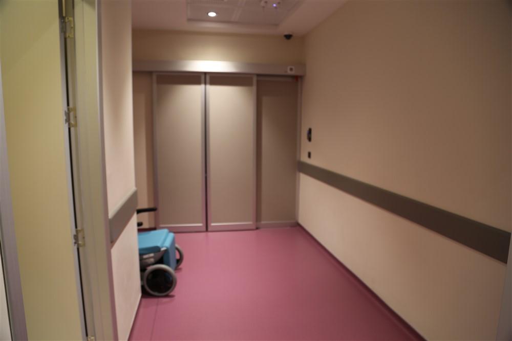 Pembe Yatan Hasta Servisi Güvenlik Koridoru