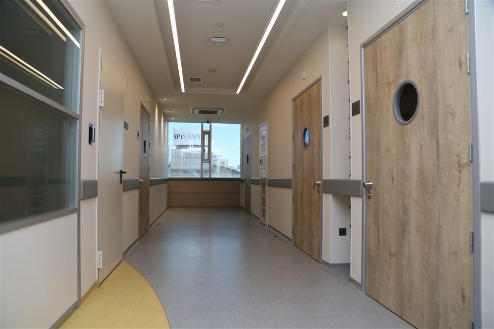 Cerrahi Yatan Hasta Servis Koridoru