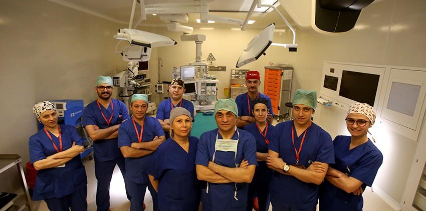 NPİSTANBUL Beyin Hastanesi Ameliyathane Ekibi