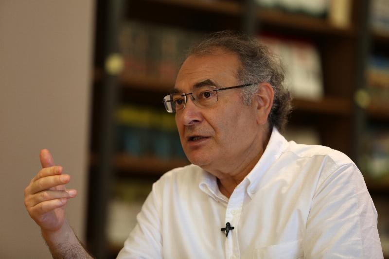 Prof. Dr. Nevzat Tarhan: Hayat yolunun fenerlerini eve kapattık